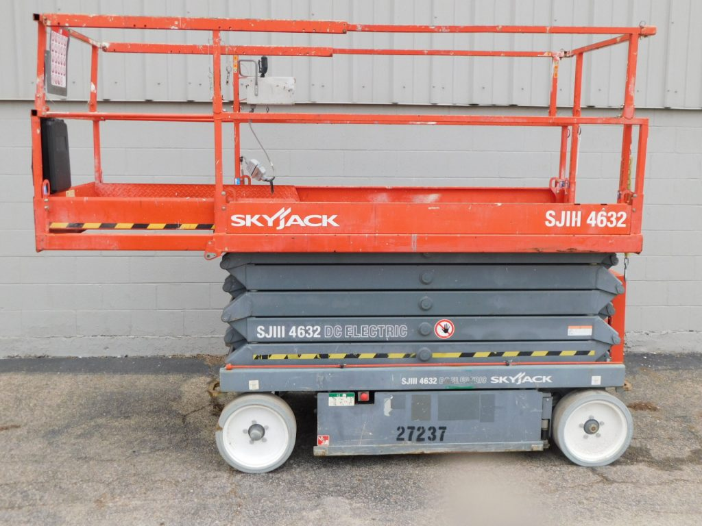 Used Skyjack SJIII4632 Scissor Lift for sale at Kensar Equipment. 700lb Capacity with 38ft work height, and cushion tires.