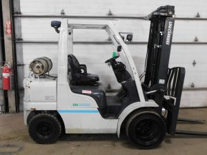 Used LPG forklift for sale near Indianapolis. 2017 Nissan forklift with low hours.