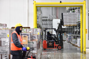 Why Lease a Linde Electric Forklift